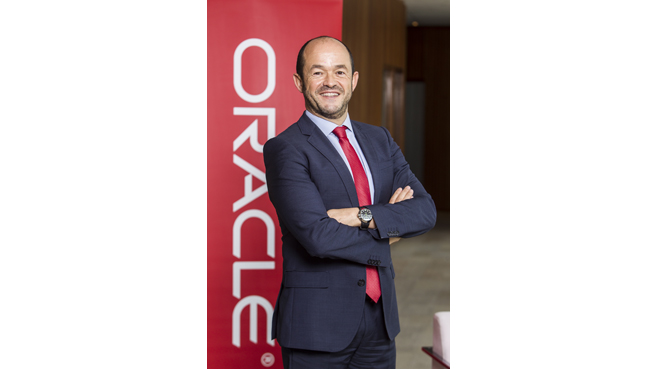 Miguel Salgado, Oracle
