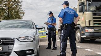 Agentes de la policía cantonal de Aargau