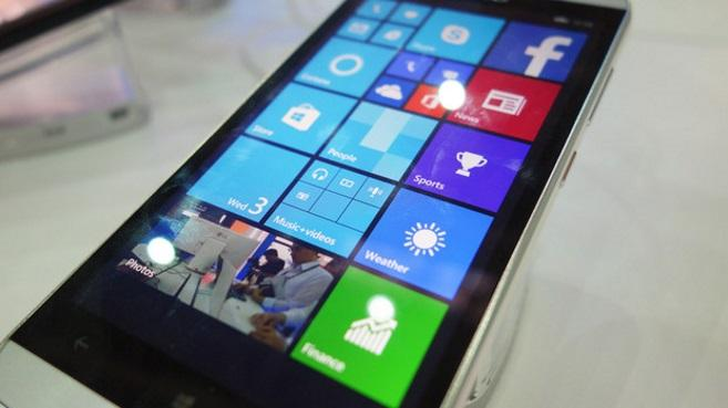 Smartphone Windows con chip Intel x86