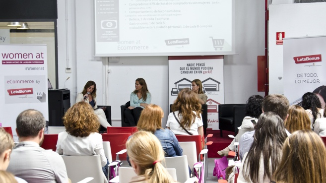 Mujeres en e-commerce. Womenalia